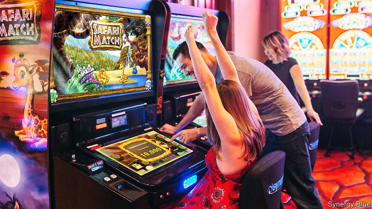 Playing Online Slots in Two Ways